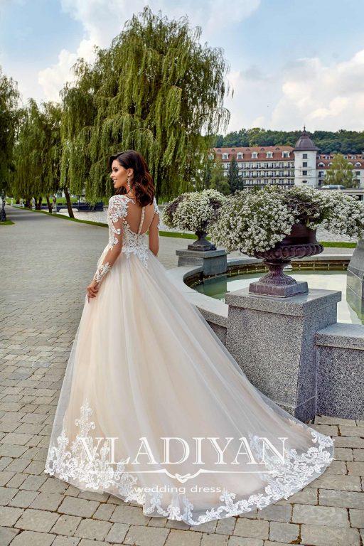 Vladiyan 42-2 · Rochie de mireasa 2018