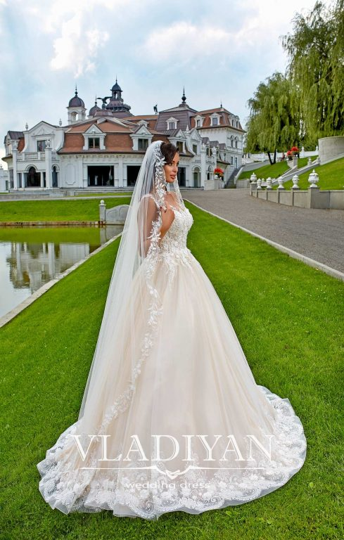Vladiyan 49-4 · Rochie de mireasa 2018
