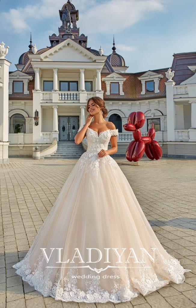 Vladiyan Exterior Colectie 2018 · Rochii de mireasa · Salon Vivianne Arad